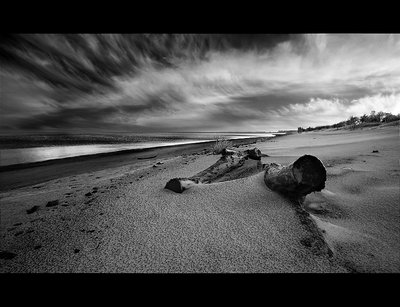 The beach, winter edition III (BW)
