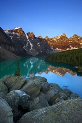 Banff - Lake Moraine Sunrise