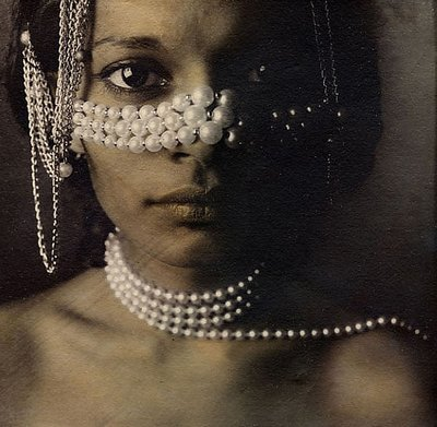 Kala with pearls