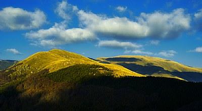 Peaks under the sun