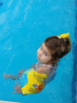 the child inside pool